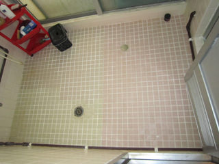 ザ・マーケット王の住宅リペア「すべらないお風呂の床」